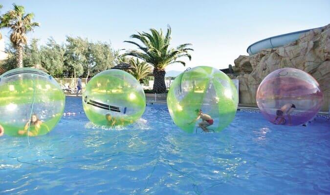 Bulles aquatiques en piscine