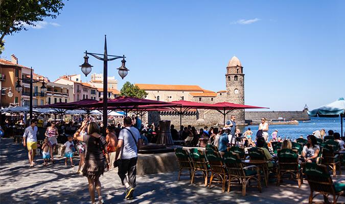 la promenade du bord de mer à Collioure